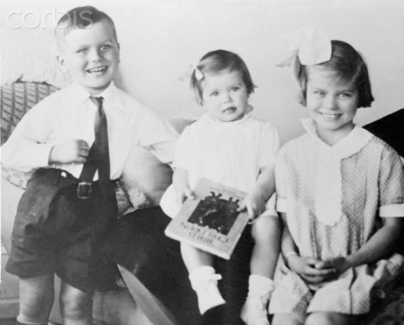 Childhood Portrait of Grace Kelly With Brother Jack and Sister Peggie