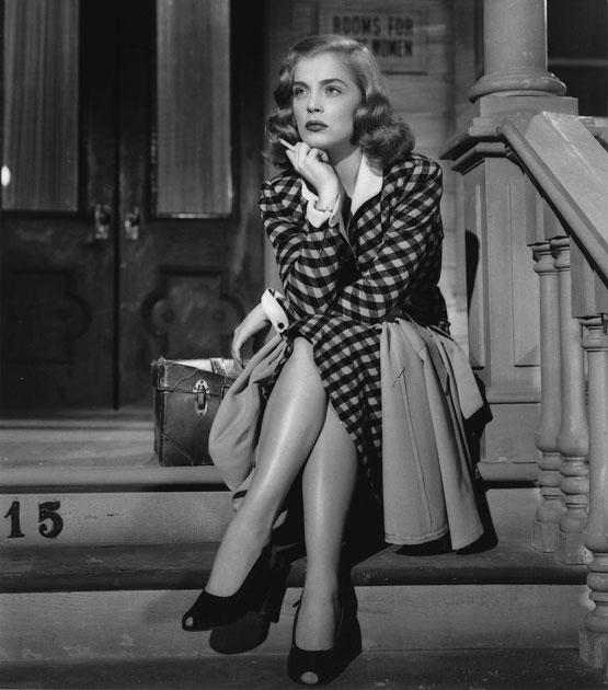 Publicity_still_for_'The_Strange_Love_of_Martha_Ivers'_(1946)