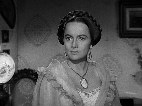 olivia-de-havilland-100-the-heiress
