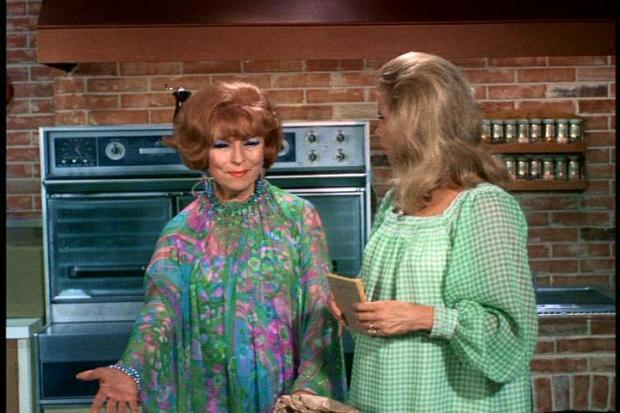 samantha-and-endora-bewitched-3438698-720-480