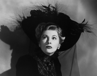 027-joan-fontaine-theredlist