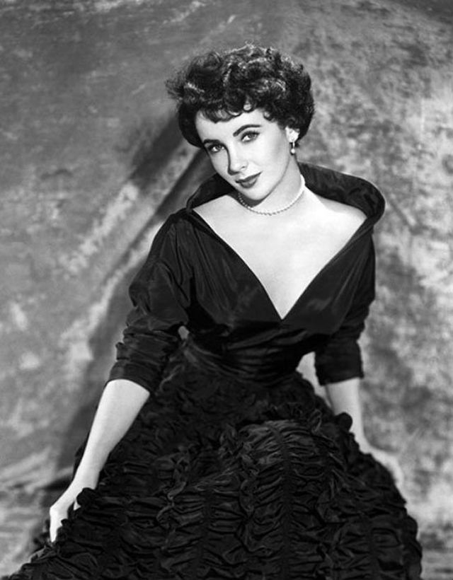 elizabeth_taylor_little_black_dress_petite_robe_noir_tubino_nero