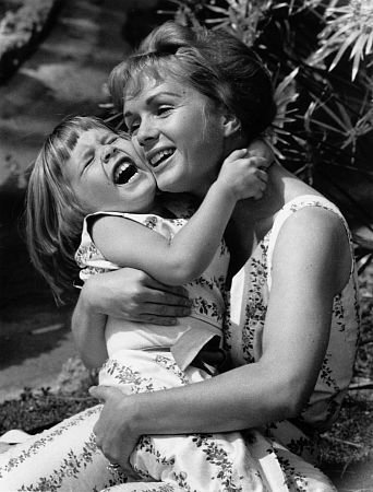 Debbie Reynolds with daughter Carrie Fisher
