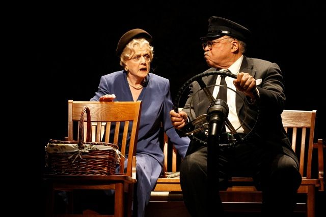 Angela Lansbury James Earl Jones in DRIVING MISS DAISY (c) Jeff Busby